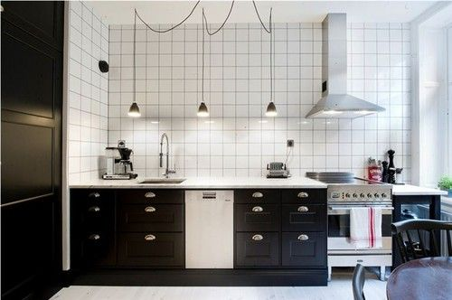♥ Köksstommar & luckor från IKEA (Metod & Bodbyn) - beställt! ♥ Mattsvart bänkskiva från Granitbutiken - beställd! ♥ Kyl/frys från Siemens - beställt från whiteaway.se! ♥ Linoleumgolv från Forbo…