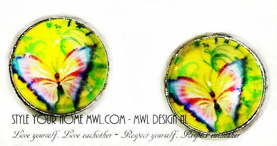 Bekijk dit items in mijn Etsy shop https://www.etsy.com/nl/listing/551756565/vlinder-knop-oorbellen-12-mm-mwl-design