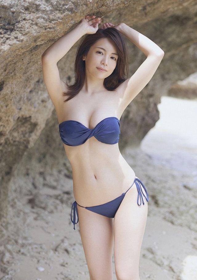 仲村美海 水着・グラビア画像8 | bikini | Swimwear, Bikinis, Swimsuits