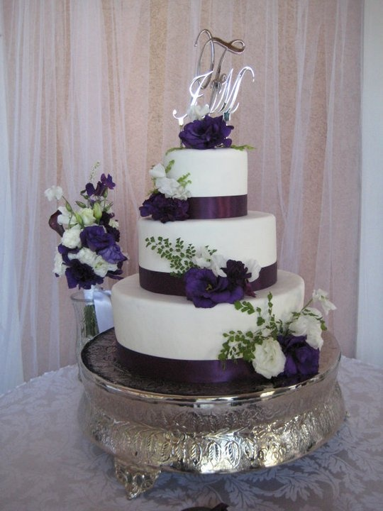 purple flower wedding cakes 17 best images about purple wedding cake inspiration on 18895