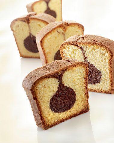 """Het lekkerste recept voor """"Gemarmerde vanillecake met chocoladestaafjes"""" vind je bij njam! Ontdek nu meer dan duizenden smakelijke njam!-recepten voor alledaags kookplezier!"""