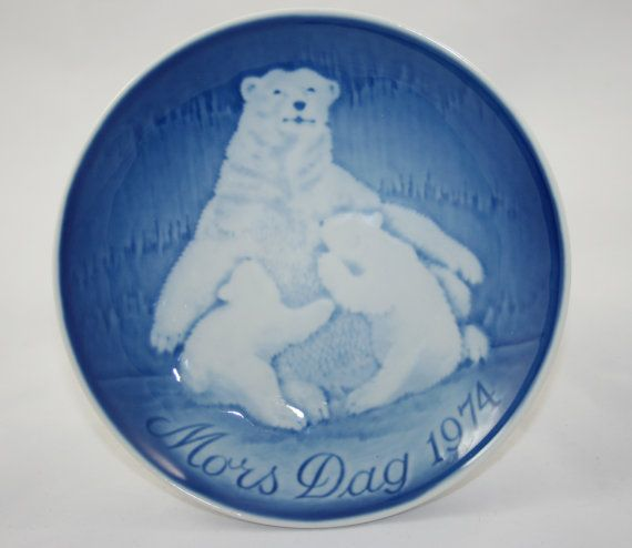 Vintage 1974 Bing and Grondahl Mothers Day Mors Dag Plate - $12.00