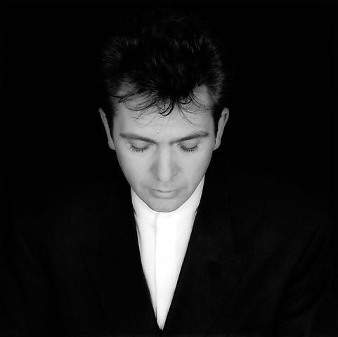 Peter Gabriel, 1986 photo by Robert Mapplethorpe | 2014 Rock and Roll Hall of Fame inductee