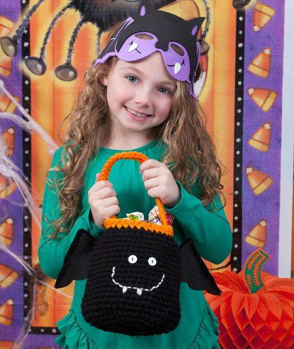Happy Bat Bag - free crochet pattern
