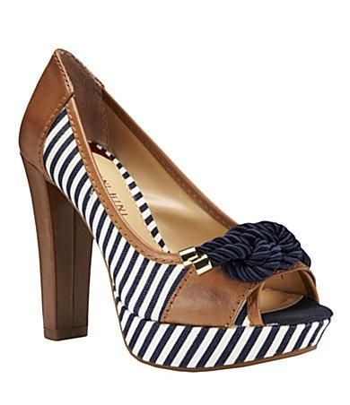 Classy yacht-ish pumps: Platform Heels, Bini Ahoy, Summer Shoes, Peeps Toe Pumps, Flats Shoes, Ahoy Peeps To, Nautical Theme, Peeps To Pumps, Gianni Bini