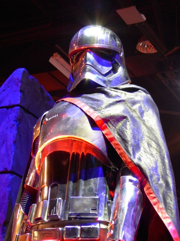 Captain Phasma Star Wars: The Force Awakens costume