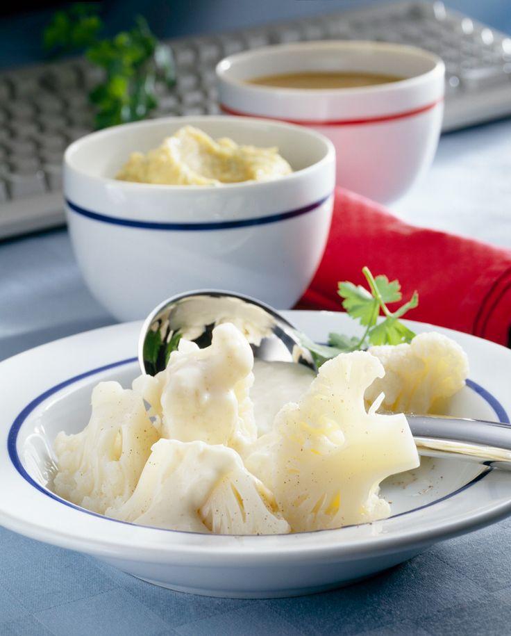 Blumenkohl mit Käsesauce #hochland #käse #rezept #recipe #cheese #blumenkohl #käsesauce #emmentaler #käseecken #food #foodie #hochlandkaese