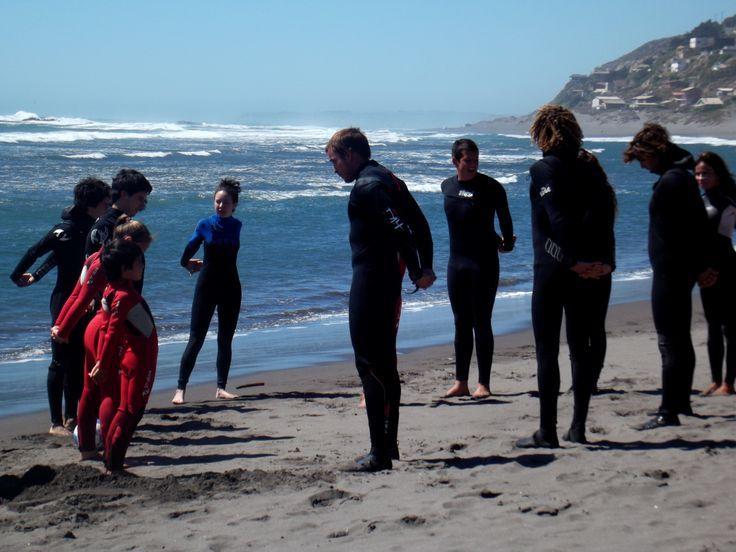 Surfistas en la playa de Matanzas.