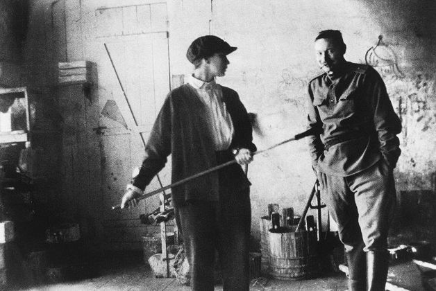 NATALIA GONCHAROVA y MIJAÍL LARIÓNOV. Moscú, 1913.
