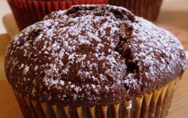 Ατομικά κέικ με σοκολάτα καρύδια και κονιάκ