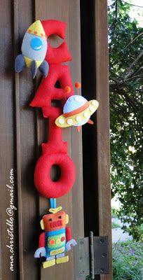 : Porta de maternidade - nome em feltro - tema robô