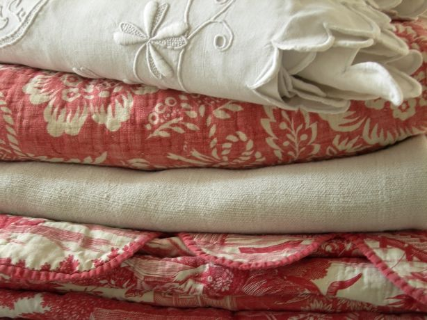 Red Toile Bed Covers