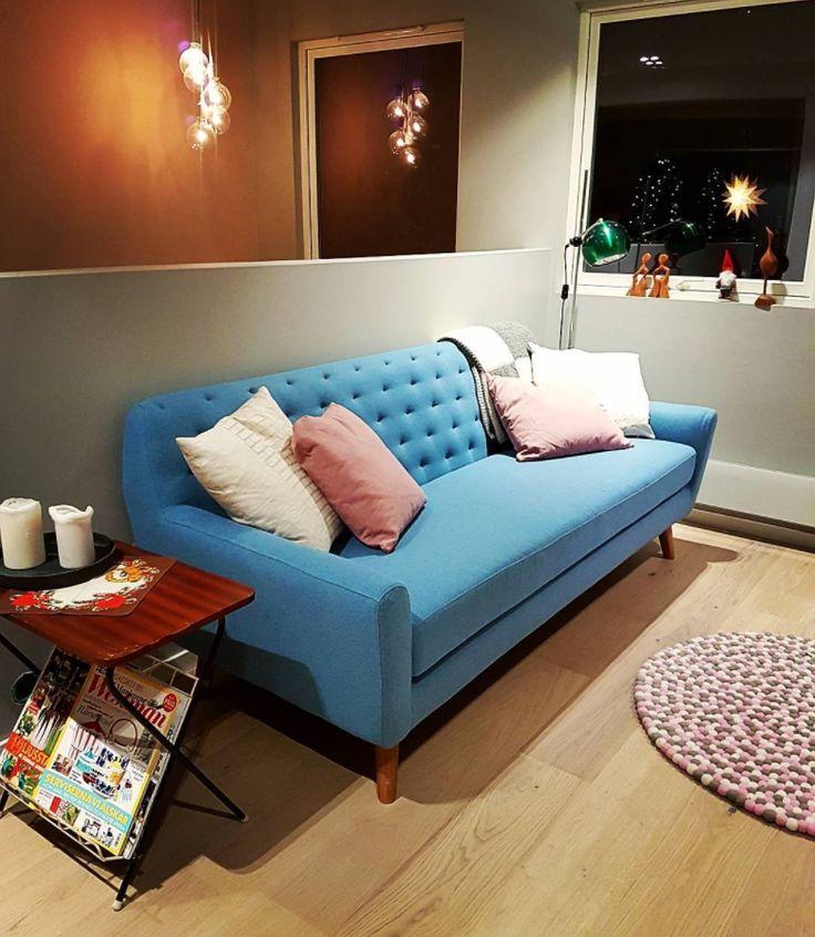 Sally wunderschön wie sie war bei @jentho__ #danishdesign #furniture #scandinaviandesign #interiordesign #furnituredesign #nordicinspiration #retrostyle #blue #Sofa