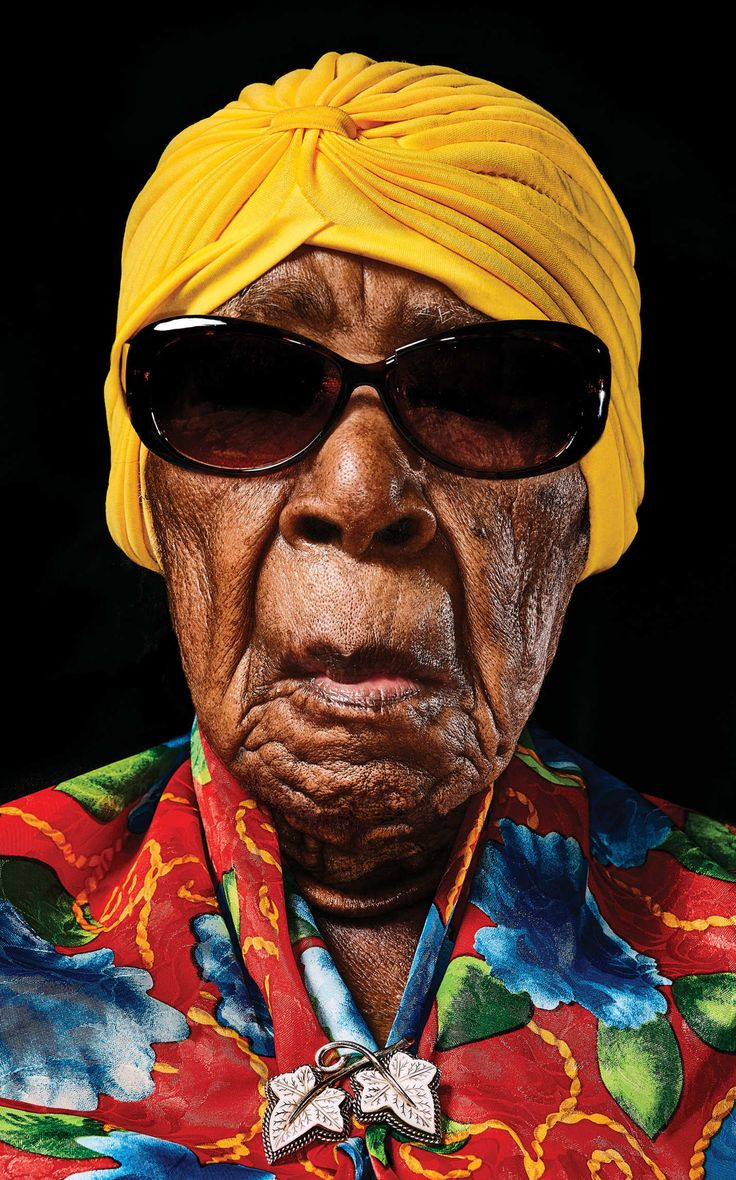 Oldest woman in America is 116 yr old Susannah Mushatt Jones was born in Alabama on July 6, 1899.  Lives in Brooklyn.