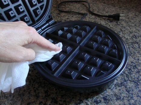 EASIEST way to clean a waffle iron!
