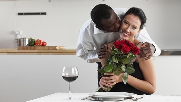 Pas på de tre faldgruber, når du siger 'jeg elsker dig' | Kærligheds-sommer | DR
