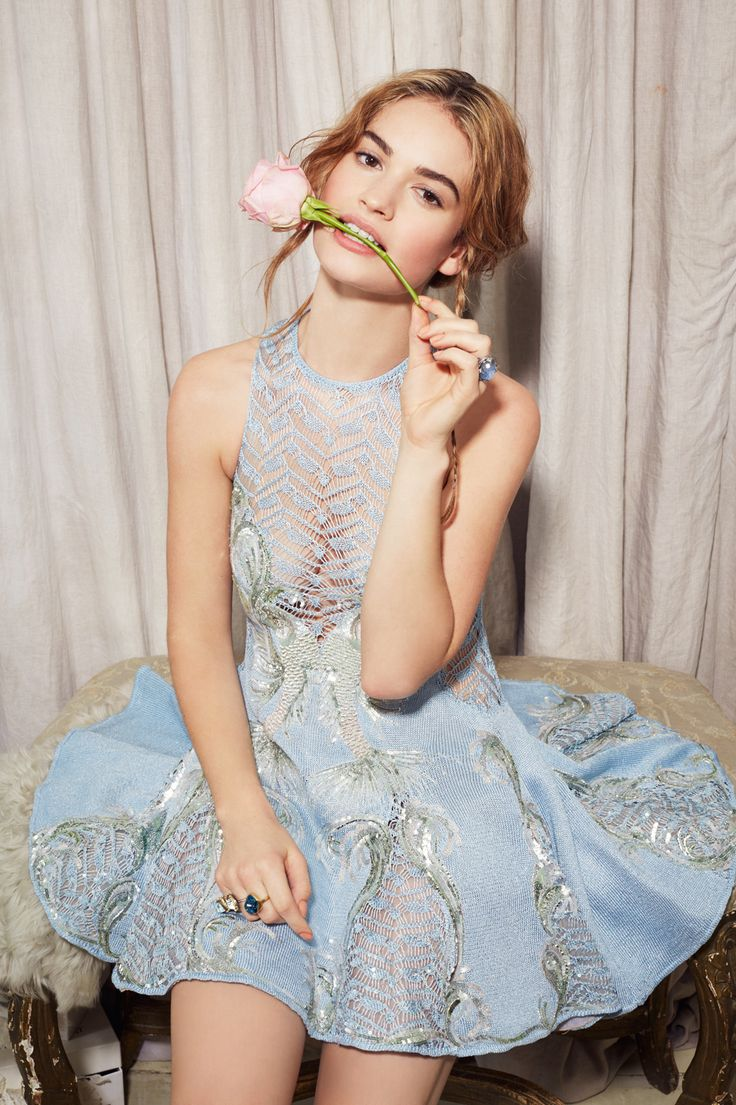 celeber_ru_lily_james_ny_post_photoshoot_2015_08.jpg (999×1500)