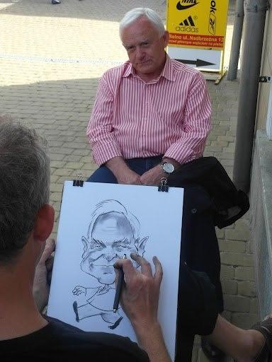 """Na Fan Page'u SLD zdjęcie jest podpisane: """"Przewodniczący postanowił zobrazować swoją radość z pobytu nad morzem :)"""""""