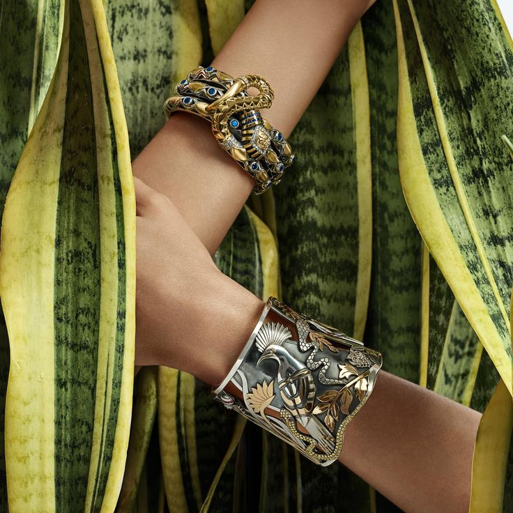 Azza Fahmy's Wonders of Nature collection gold and silver cuff and snake bracelet with sapphires. http://www.thejewelleryeditor.com/jewellery/article/azza-fahmy-wonders-of-nature-jewellery-collection/ #jewelry