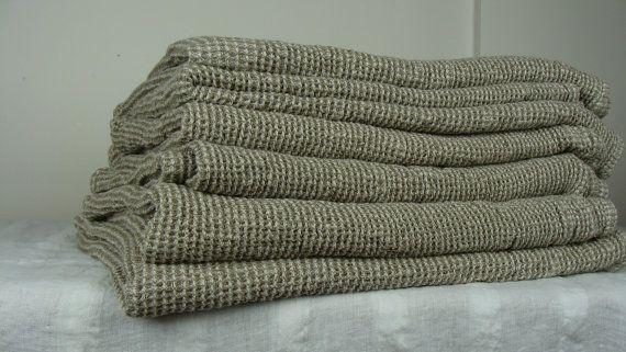 """Большие тяжелые белье полотенца, готово к отправке.  Вафли чистый 100% лен, 110x135cm-43x53 """". Изготовлен из натурального окрашенного не коричневато темно-серый серый / серый ткани."""