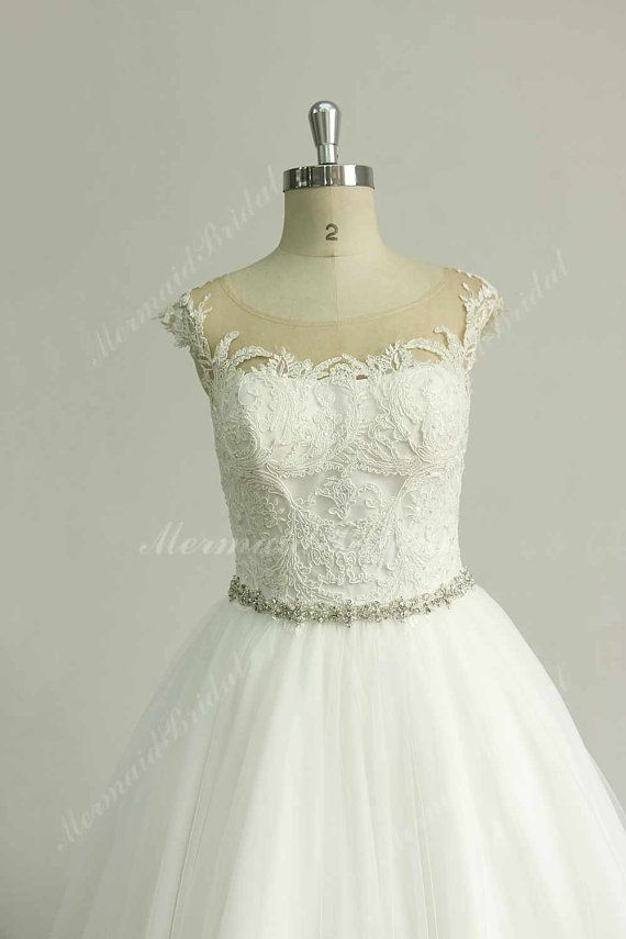 Very Elegant Tulle Lace A Line Wedding Dress With Rhinestone