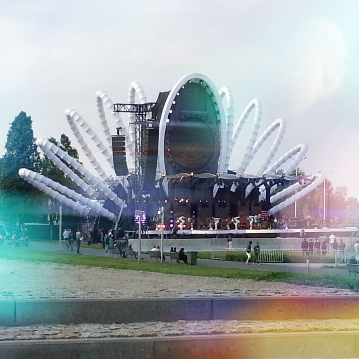 Warszawa - Podzamcze - Stare Miasto - Multimedialny Park Fontann - Scena - Koncert - Tu Bije Serce Europy