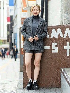 GapJapan│GAPのテーラードジャケットコーディネート 【渋谷店スタッフ注目コーデ】 ツイードコート×ショーパンのセットアップはツイードの素材感で秋冬ムードを高めて。今年らしいディティールのメリノタートルに、グレーのワントーンで旬コーデの完成。 ヘリンボーンブレザー (Color:グレー/¥14,900/ID:534084/着用サイズ:XXS) メリノタートル (Color:グレー/¥5,900/ID:112221/着用サイズ:XXS) ヘリンボーンショーツ (Color:グレー/¥6,900/ID:534402/着用サイズ:0) その他:参考商品 スタッフ身長:160cm ■渋谷店 http://mobile.gap.co.jp/stores/sp/store.php?shopId=36143814 ■オンラインストアはこちら http://www.gap.co.jp/browse/subDivision.do?cid=5643 ■GapストアスタッフコーデをWEARで見る(Women) http://wear.jp/gapjapan/