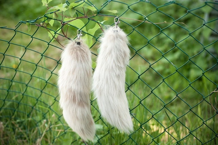 The Deviant fluffy silver fur fox tail keychain by ratstoriches
