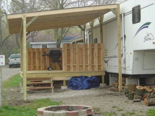 85 best images about lodge deck screen room ideas on for Rv with roof deck