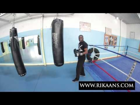 Boxe anglaise: 7 conseils pour s'entraîner sur le sac de frappe - YouTube
