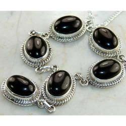 gems stone setted jewellery - Green Onyx Necklace Sets Manufacturer from Jaipur