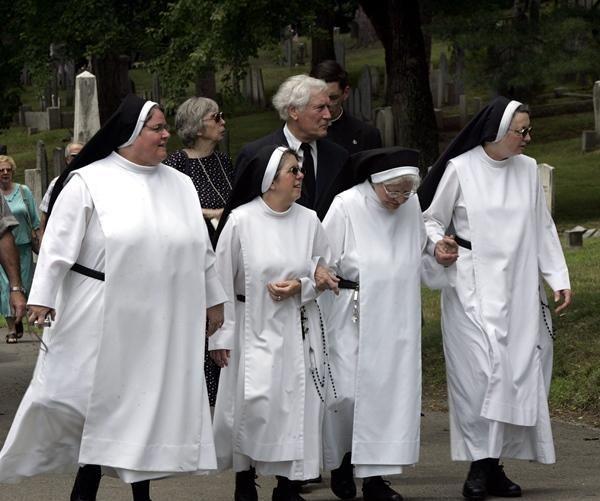 «Осторожно, монахини»: католический монастырь требует ввести новый дорожный знак https://joinfo.ua/inworld/1202244_Ostorozhno-monahini-katolicheskiy-monastir.html {{AutoHashTags}}