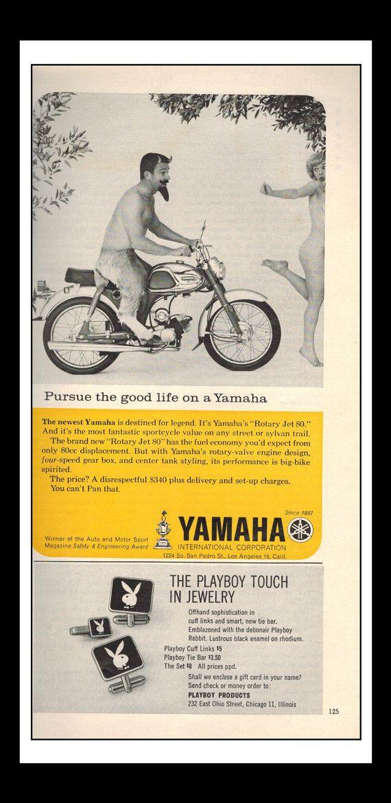 Annonce imprimée Vintage août 1964 : Yamaha « Poursuivre la bonne vie sur une Yamaha » Moto Wall Art déco 5,5 « x 8 » pour la publicité imprimée