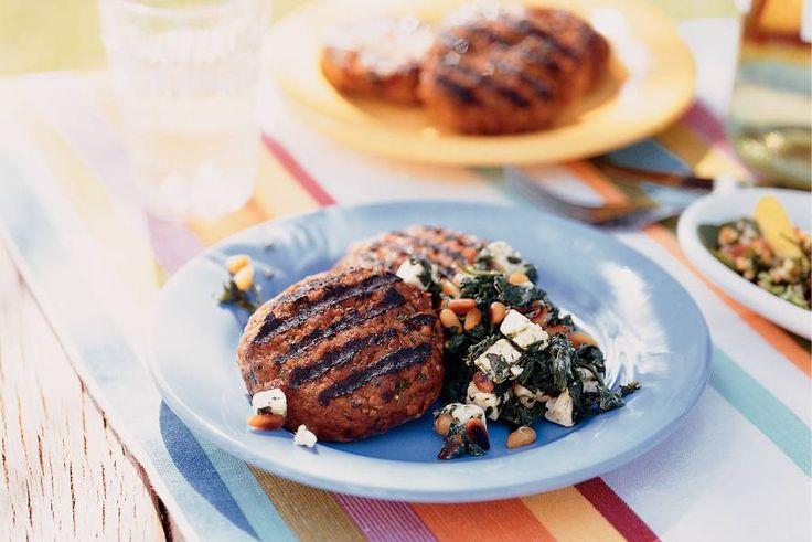 Kijk wat een lekker recept ik heb gevonden op Allerhande! Hamburgers met spinazie en witte kaas