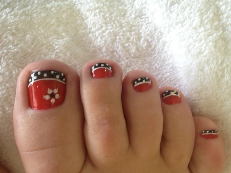winter nail design; flower and polka dots