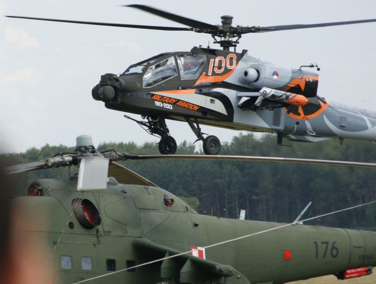 Apache (almost) on Mi-24 Hind - AirShow 2013 Radom, Poland. Photo: hipAIRion