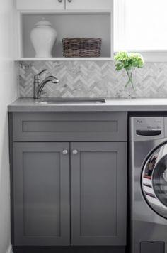 cool herringbone back splash for kitchen, bar, bathroom or laundry room. #herringbonebacksplash