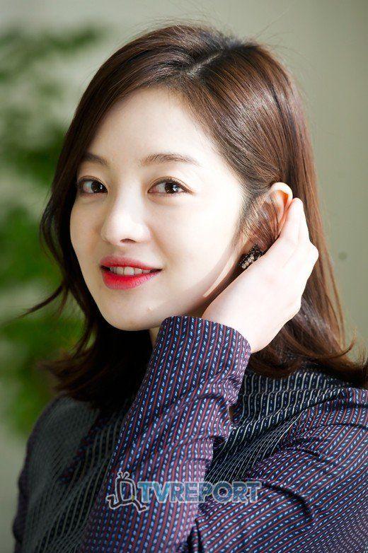 Hwang Bo-ra (황보라)