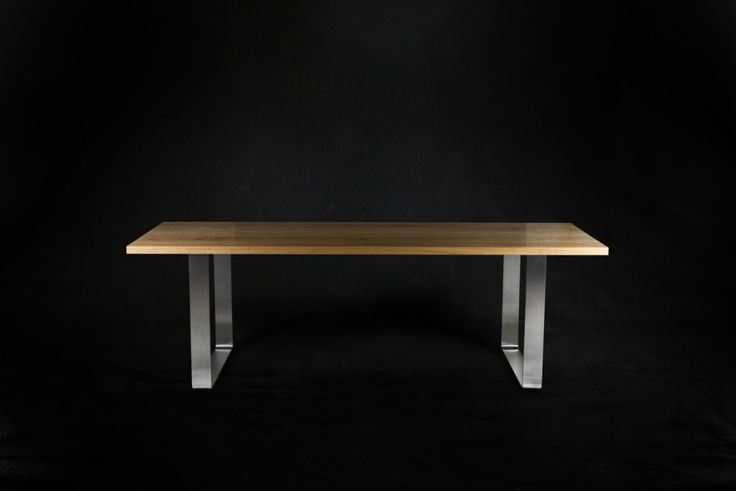 Effortlessly modern. A blackbutt timber top rests on rolled stainless steel hoop legs. The generous overhangs allow room to comfortably sit at the ends of the table. Available in a range of timbers, sizes & finishes. #makimakifurniture #makimaki #brisbanemade #makimakihandmade #makimakidiningtable #blackbutt