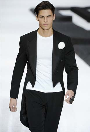 6515e20e7e51 The 48 Hottest Male Models in History - theFashionSpot