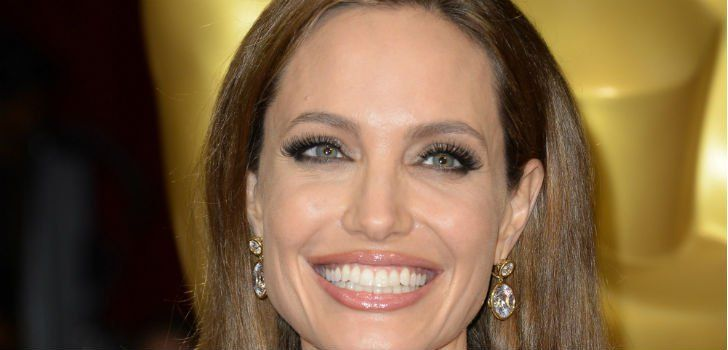 Angelina Jolie diagnosed with Chicken Pox http://www.mygc.com.au/news/angelina-jolie-diagnosed-with-chicken-pox/
