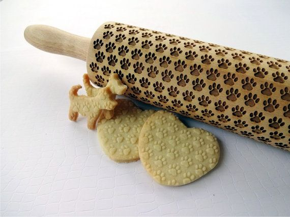 PAW pattern Embossing Rolling Pin. Dogie PAW pattern. Engraved rolling pin with Dog's paw for embossed cookies