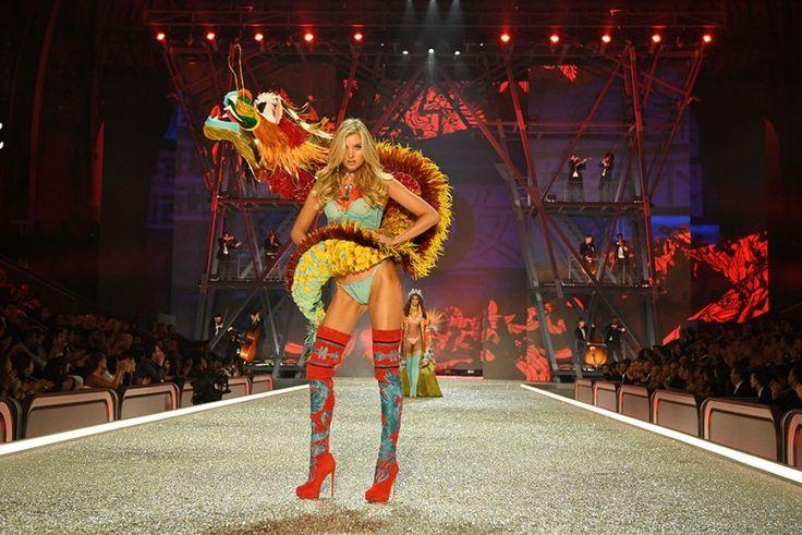 Город ангелов: 20-й показ Victoria's Secret в Париже :: Стиль :: Внешний вид :: РБК.Стиль
