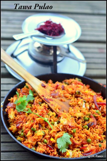 Indian Street Food : Spicy Tawa Pulao Cooked with vegetables
