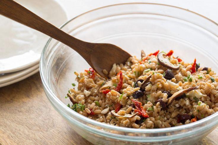 Mediterranean Style Farro Salad - Spoon Fork Bacon: Ferro Salad, Recipes Unfil, Style Farro, Salad Recipes, Farro Salad, Mediterranean Style, Styles