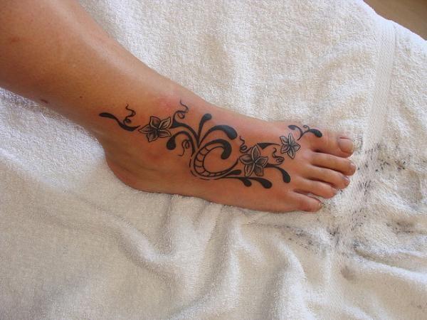 : Flowers Tattoo, Tattoo Ideas, Feet Tattoo, Flowers Foot Tattoo, Foottattoo, Tattoo Design, Feathers Tattoo, Inspiration Tattoo, Tribal Tattoo