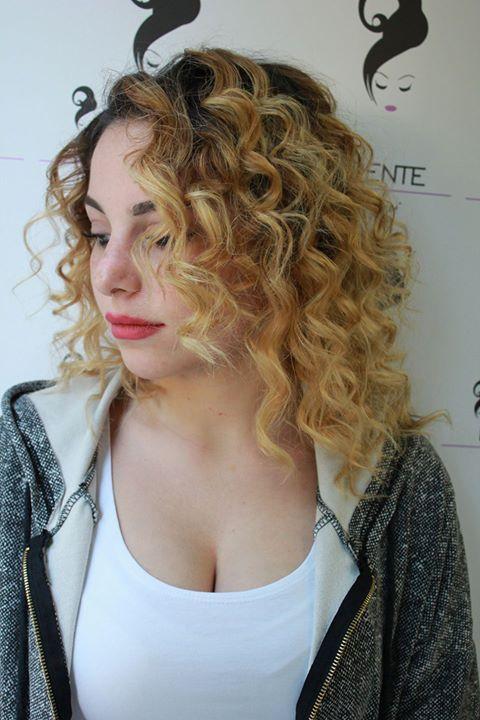 I Furente La bellezza di una #Donna è la sua femminilità. Non è quello che mostra ma quello che riesce a far immaginare!!  #femminilitá #parrucchieri #parrucchiere #mouve #riccio #mosso #mossi #lunghi #blonde #brunette #hairstile #hairdressing #hair #fashion #style #stile #follow #like4like #longhairdontcare #napoli #modelli