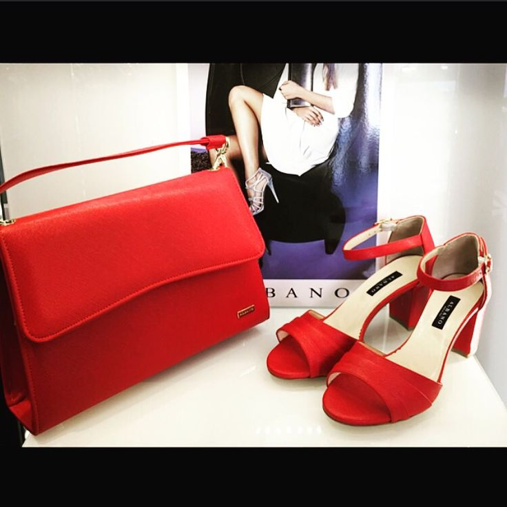 Red for a glamour shoes and Bags Albano!