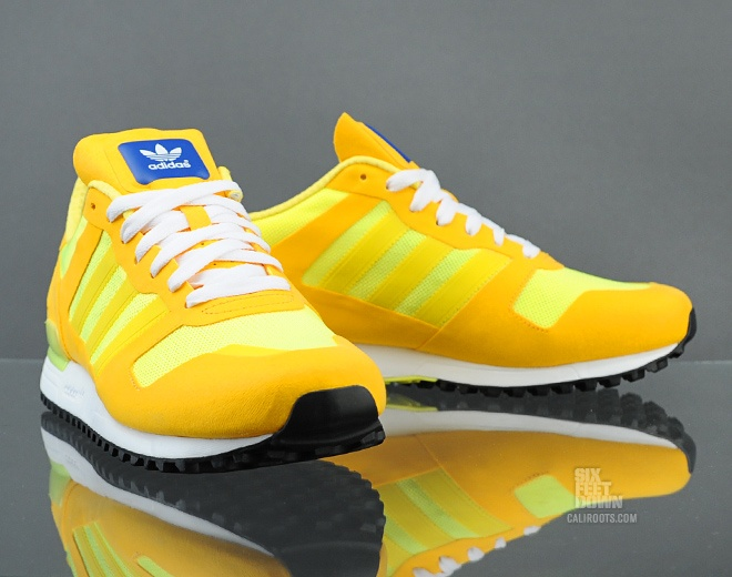 online store bf74c 7feba adidas Originals ZX 700 (Q23446) - Caliroots.com   Sneakers   Shoes, Adidas  ZX, Sneakers fashion