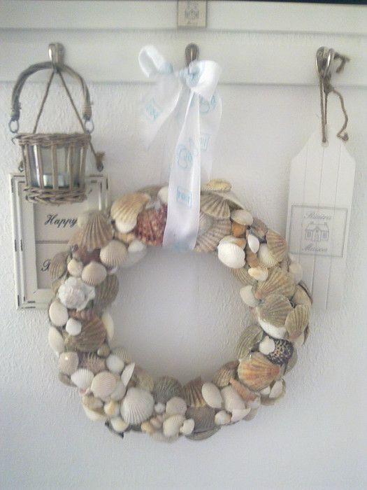 Made by Joyce - seashells in net wreath